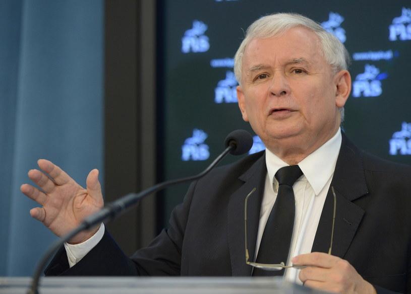 Prezes PiS Jarosław Kaczyński podczas konferencji prasowej w Sejmie. /Radek Pietruszka /PAP