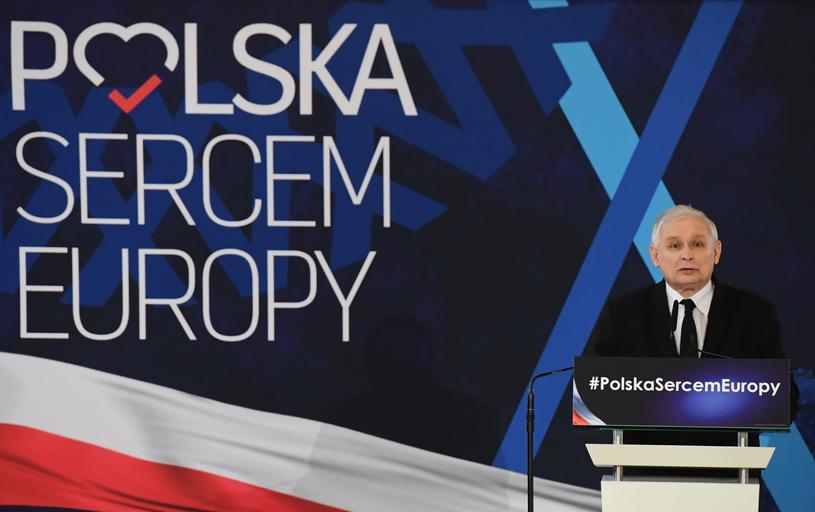 Prezes PiS Jarosław Kaczyński podczas konferencji prasowej w Krakowie /Jacek Bednarczyk   /PAP