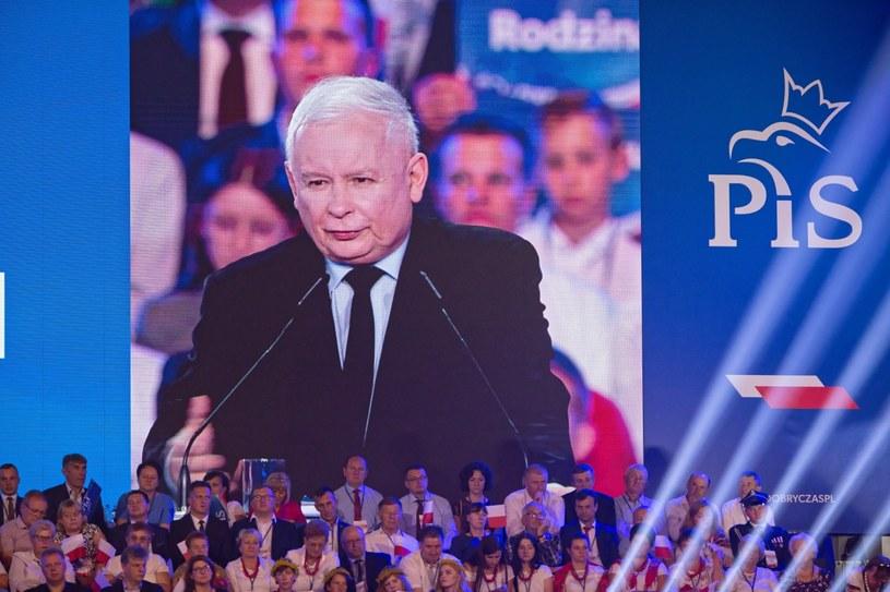 Prezes PiS Jarosław Kaczyński podczas konwencji programowej w hali Globus w Lublinie /Wojtek Jargiło /PAP