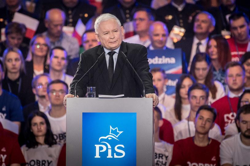 Prezes PiS Jarosław Kaczyński podczas konwencji w Lublinie /Jacek Dominski/ /Reporter
