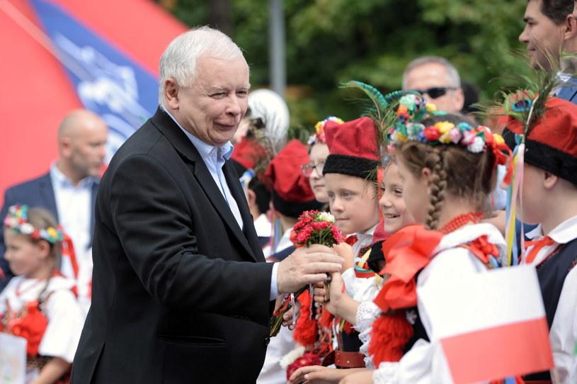 Prezes PiS Jarosław Kaczyński podczas Pikniku Rodzinnego #DobryCzasPL w Stalowej Woli /Darek Delmanowicz /PAP