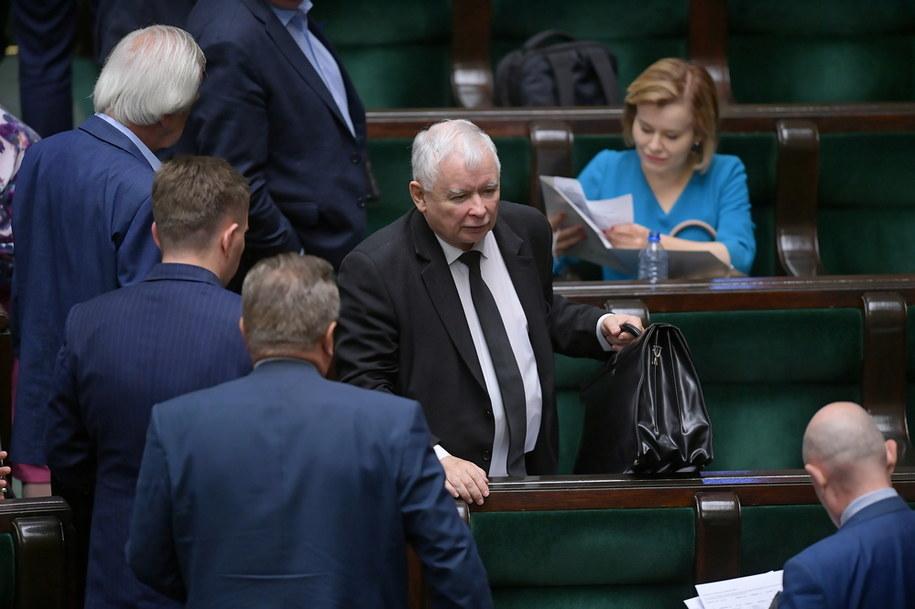 Prezes PiS Jarosław Kaczyński podczas posiedzenia Sejmu w Warszawie / Marcin Obara  /PAP