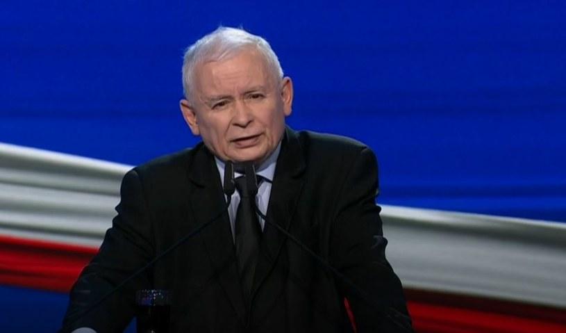 """Prezes PIS Jarosław Kaczyński podczas prezentacji programu """"Polski Ład"""" /materiały prasowe"""