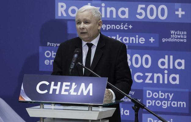 Prezes PiS Jarosław Kaczyński podczas spotkania wyborczego Prawa i Sprawiedliwości w Chełmie /Wojtek Jargiło /PAP