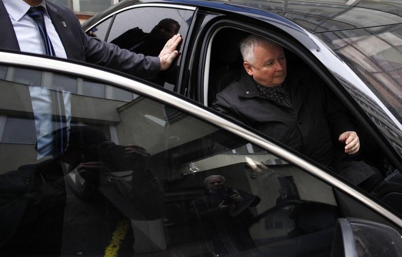 Prezes PiS Jarosław Kaczyński przed siedzibą partii /Stefan Maszewski /Reporter