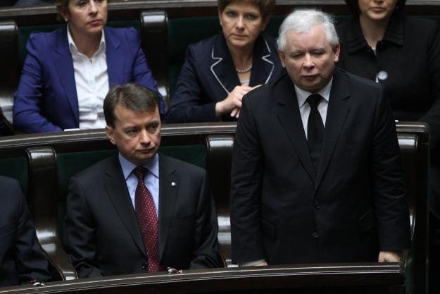 Prezes PiS Jarosław Kaczyński składa ślubowanie, fot. R. Pietruszka /PAP