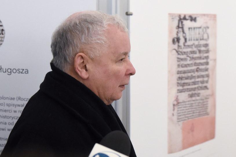 Prezes PiS Jarosław Kaczyński w drodze na spotkanie /PAP