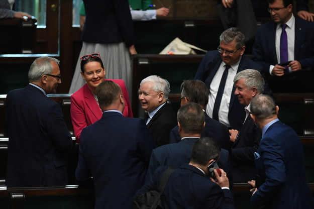 Prezes PiS Jarosław Kaczyński w Sejmie /Radek  Pietruszka /PAP