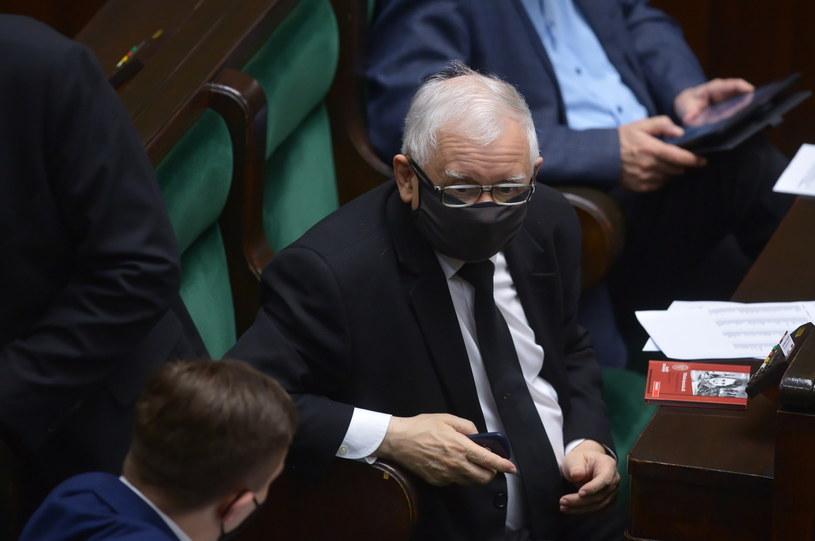 Prezes PiS, wicepremier Jarosław Kaczyński na sali obrad Sejmu / Marcin Obara  /PAP