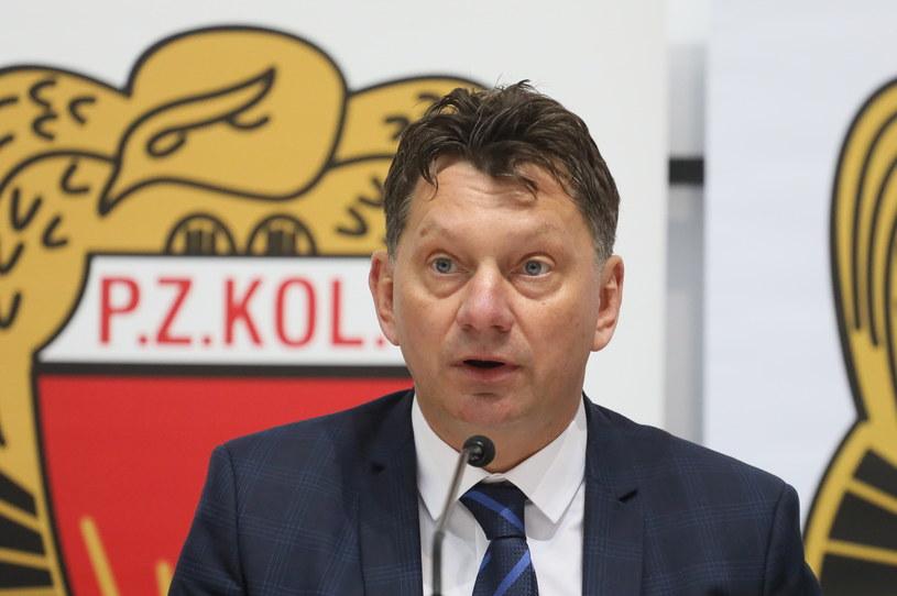 Prezes Polskiego Związku Kolarskiego Dariusz Banaszek podczas konferencji prasowej /Paweł Supernak /PAP