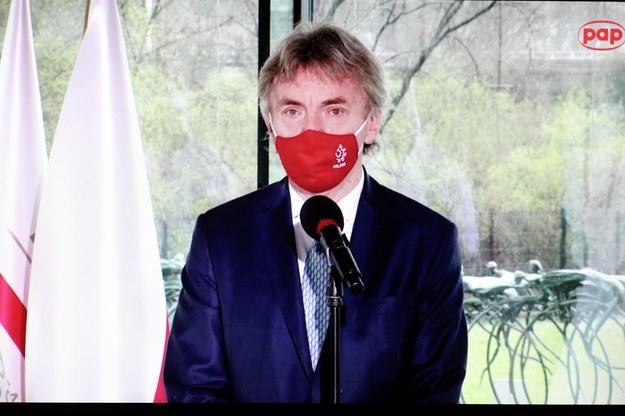 Prezes Polskiego Związku Piłki Nożnej Zbigniew Boniek podczas konferencji prasowej / Leszek Szymański    /PAP