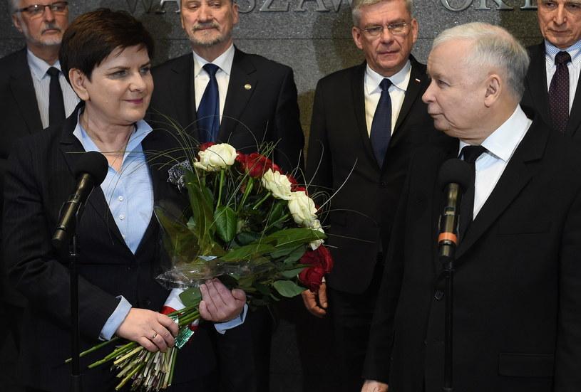 Prezes Prawa i Sprawiedliwości Jarosław Kaczyński i premier Beata Szydło /Radek Pietruszka /PAP