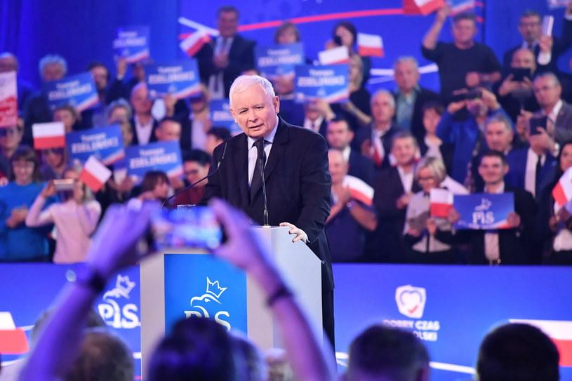 Prezes Prawa i Sprawiedliwości Jarosław Kaczyński podczas konwencji wyborczej PiS w Chełmie /Wojtek Jargiło /PAP