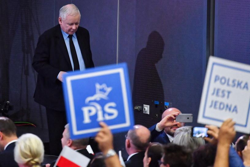 Prezes Prawa i Sprawiedliwości Jarosław Kaczyński podczas spotkania wyborczego PiS / Piotr Polak    /PAP