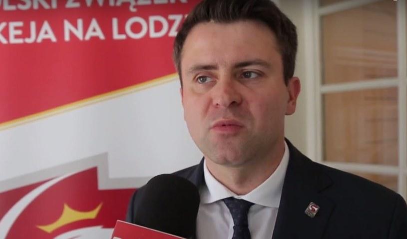 Prezes PZHL-u Dawid Chwałka zapowiada przeprowadzkę związku do innej siedziby. /INTERIA.PL
