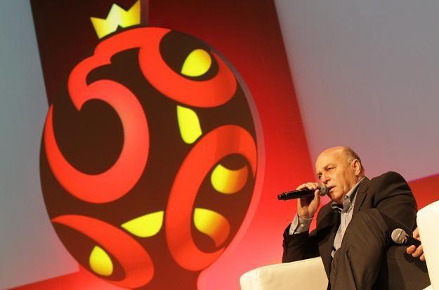 Prezes PZPN Grzegorz Lato podczas prezentacji nowego logo. Fot. Bartłomiej Zborowski /PAP