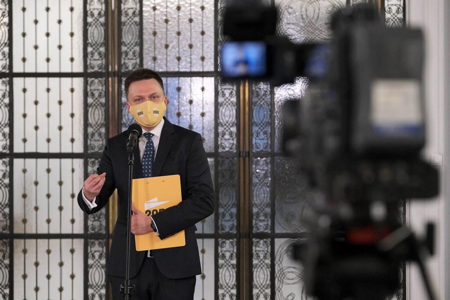 Prezes Stowarzyszenia Polska 2050 Szymon Hołownia podczas konferencji prasowej w Sali Kolumnowej Sejmu w Warszawie /Mateusz Marek /PAP