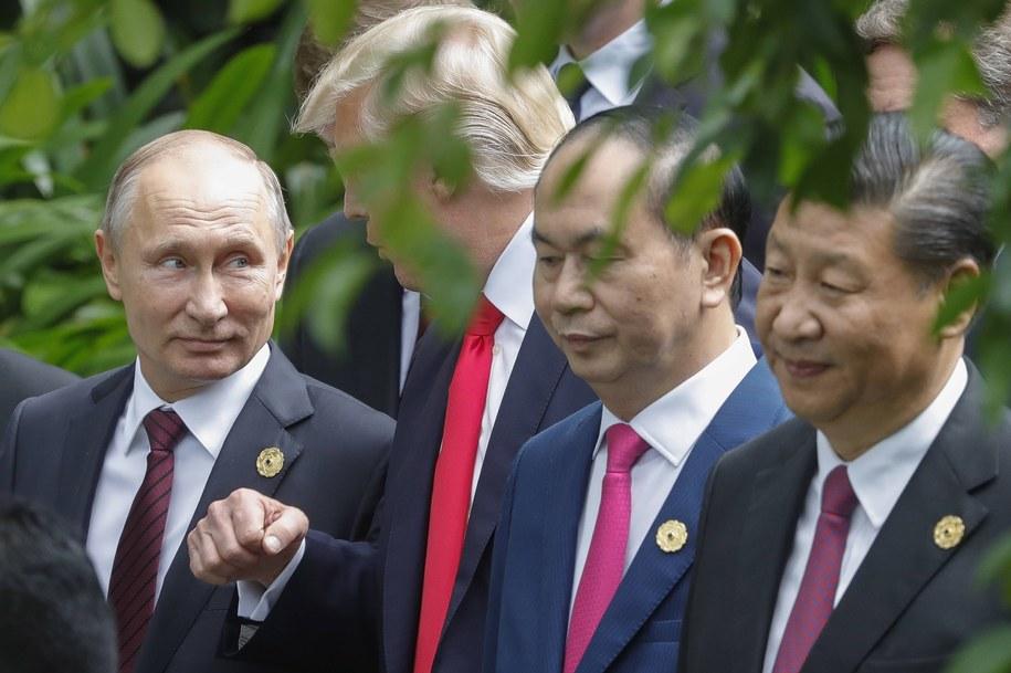 Prezydenci (od lewej): Rosji Władimir Putin, Stanów Zjednoczonych Donald Trump, Wietnamu Tran Dai Quang i Chin Xi Jinping podczas listopadowego szczytu Wspólnoty Gospodarczej Azji i Pacyfiku (APEC) /Mikhail Metzel/ITAR-TASS /PAP