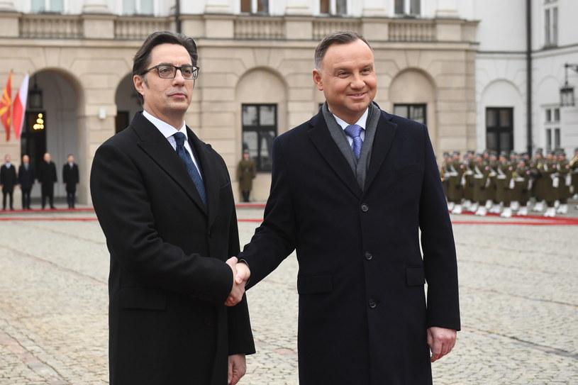 Prezydenci Polski i Macedonii Północnej podczas ceremonii powitania / Radek Pietruszka   /PAP