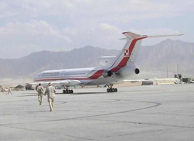 Prezydencki Tu-154M na lotnisku w Bagram. Lato 2007/ fot. Marcin Ogdowski /