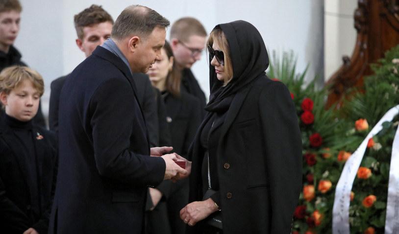 Prezydent Adnrzej Duda składa kondolencje Małgorzacie Ostrowskiej-Królikowskiej / Leszek Szymański    /PAP