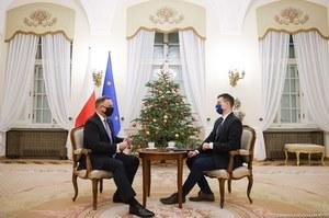 Prezydent Andrzej Duda dla Interii: Nie wyobrażam sobie, żebym został zaszczepiony przed moimi rodzicami