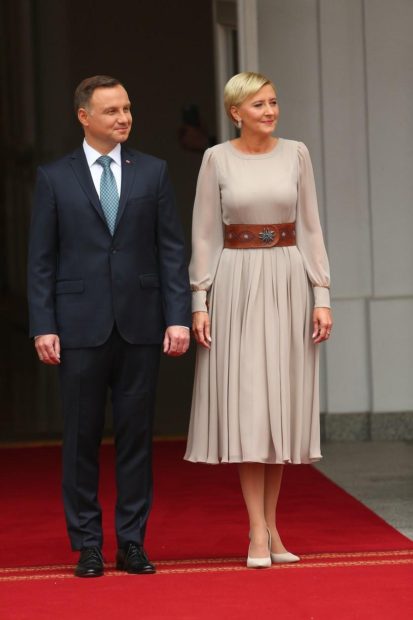 Prezydent Andrzej Duda i Agata Duda czekają na książęcą parę /East News
