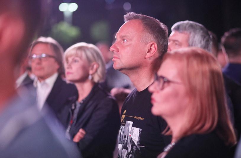 Prezydent Andrzej Duda i Małgorzata Gosiewska podczas wspólnego śpiewania powstańczych piosenek /Piotr Molecki /East News
