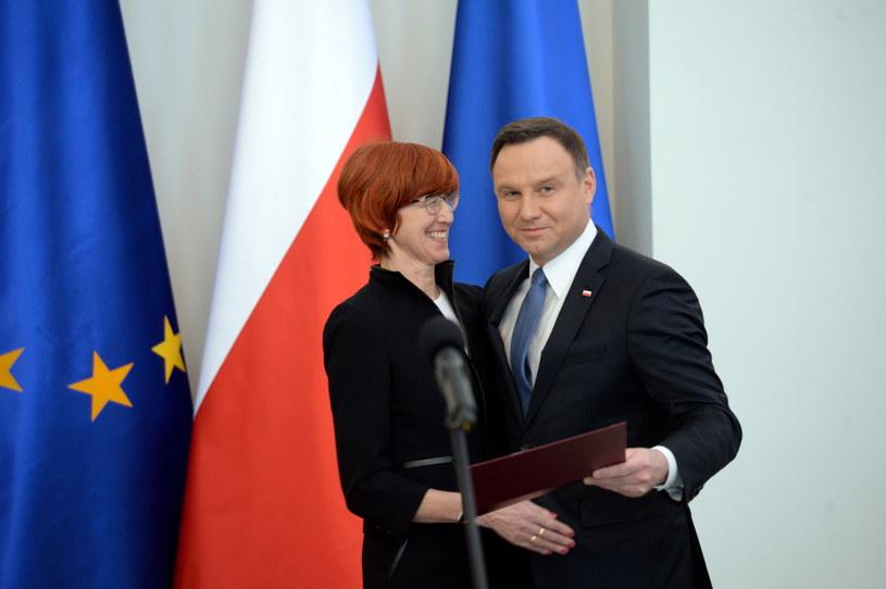 Prezydent Andrzej Duda i minister pracy Elżbieta Rafalska /Jacek Turczyk /PAP