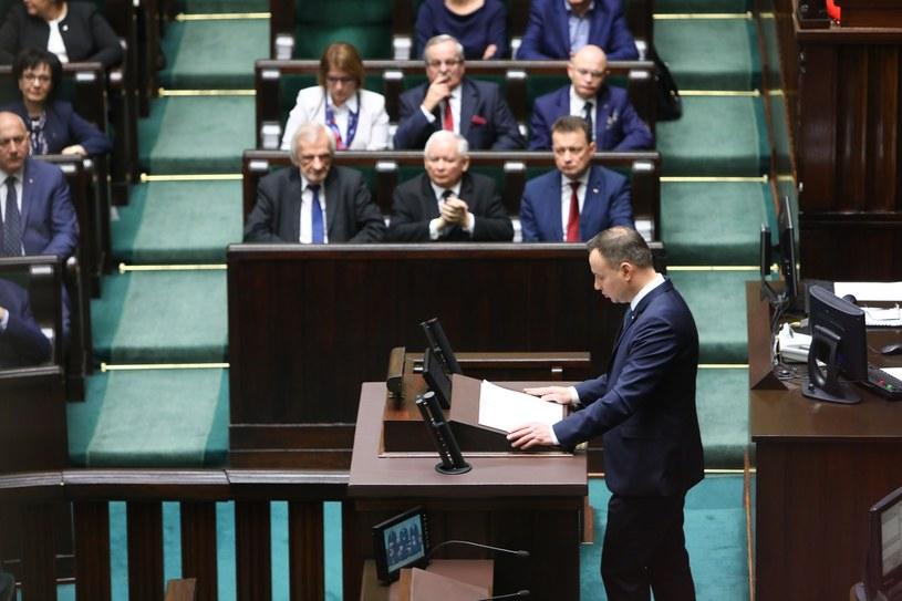 Prezydent Andrzej Duda i politycy PiS podczas Zgromadzenia Narodowego w dniu 150. rocznicy urodzin Marszalka Józefa Piłsudskiego /STANISLAW KOWALCZUK /East News