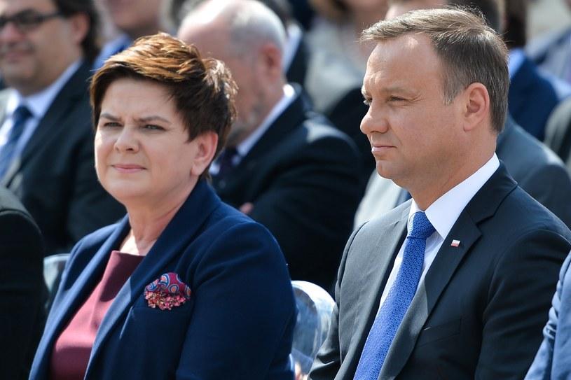 Prezydent Andrzej Duda i premier Beata Szydło /Lukasz Szelemej /East News