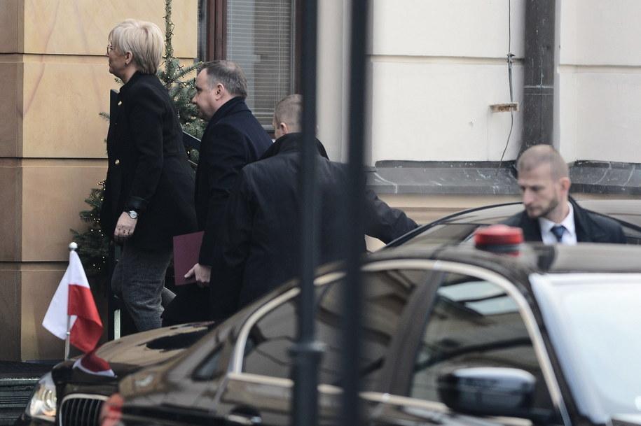 Prezydent Andrzej Duda i prezes Trybunału Konstytucyjnego sędzia Julia Przyłębska w drodze na publiczne posiedzenie Zgromadzenia Ogólnego Sędziów TK / Jakub Kamiński    /PAP