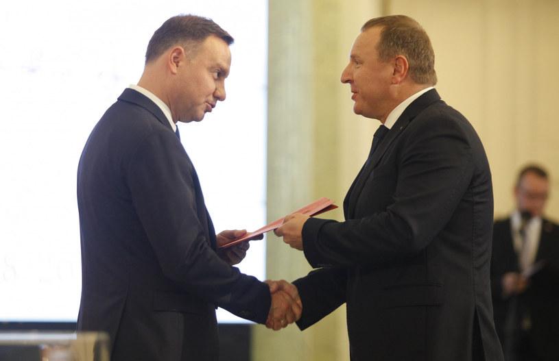 Prezydent Andrzej Duda i prezes TVP Jacek Kurski w 2017 roku /STEFAN MASZEWSKI/REPORTER /East News
