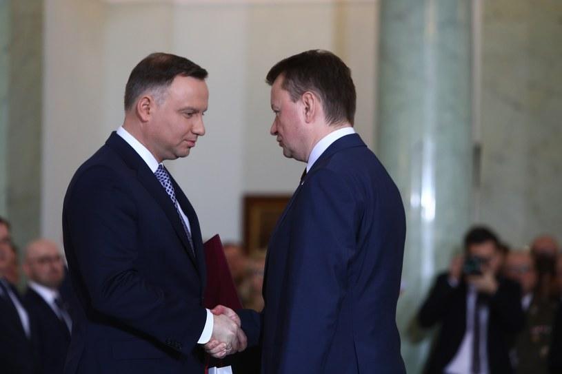 Prezydent Andrzej Duda i szef MON Mariusz Błaszczak /STANISLAW KOWALCZUK /East News