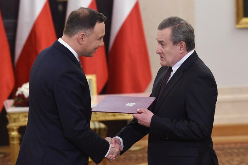 Prezydent Andrzej Duda i wicepremier Piotr Gliński podczas uroczystości w Pałacu Prezydenckim /Radek Pietruszka /PAP