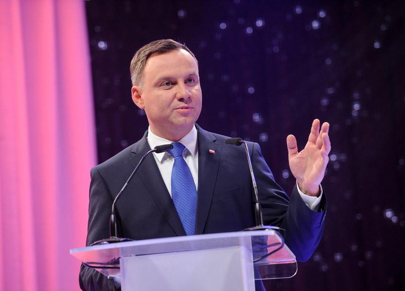"""Prezydent Andrzej Duda odebrał nagrodę """"Człowiek Wolności 2015 /Marcin Obara /PAP"""