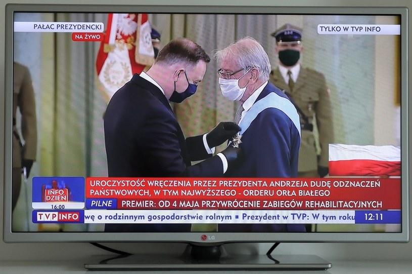 Prezydent Andrzej Duda odznaczył Orderem Orła Białego historyka prof. Wojciecha Roszkowskiego /Paweł Supernak /PAP
