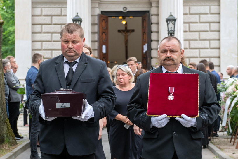 Prezydent Andrzej Duda odznaczył pośmiertnie Tomasza Nowaka Srebrnym Krzyżem Zasługi /Grzegorz Michałowski   /PAP