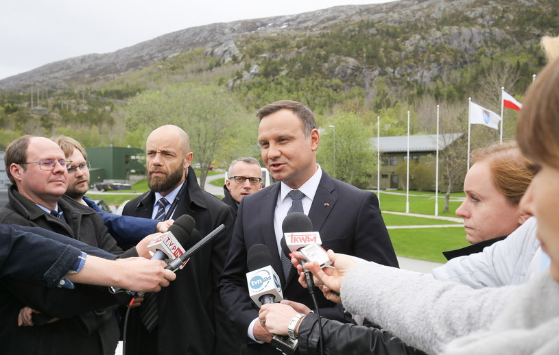 Prezydent Andrzej Duda po wizycie w Kwaterze Połączonego Dowództwa Operacyjnego Sił Zbrojnych w Reitan w Norwegii /Paweł Supernak /PAP