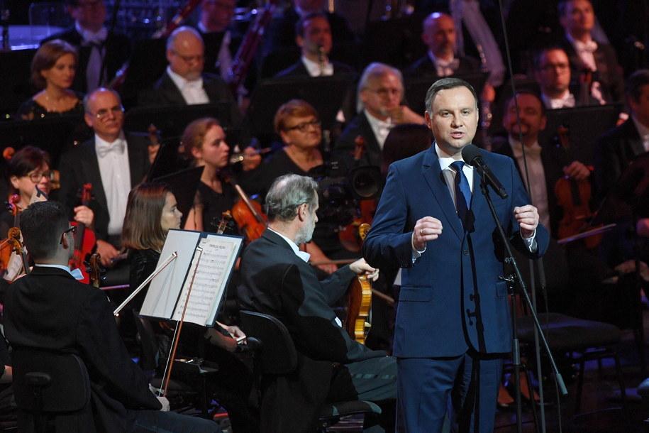 Prezydent Andrzej Duda podczas koncertu z okazji stulecia odzyskania przez Polskę niepodległości w warszawskim Teatrze Wielkim-Operze Narodowej /Radek Pietruszka /PAP