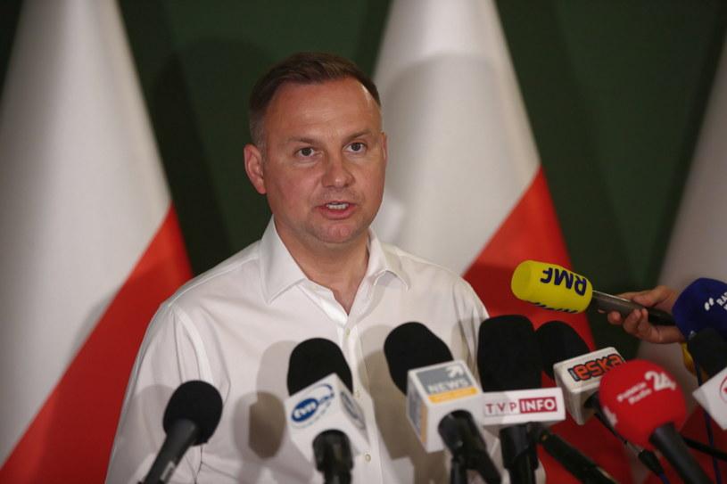 Prezydent Andrzej Duda podczas konferencji prasowej po posiedzeniu Wojewódzkiego Zespołu Zarządzania Kryzysowego, w związku z lokalnymi powodziami w woj. małopolskim  w Krakowie