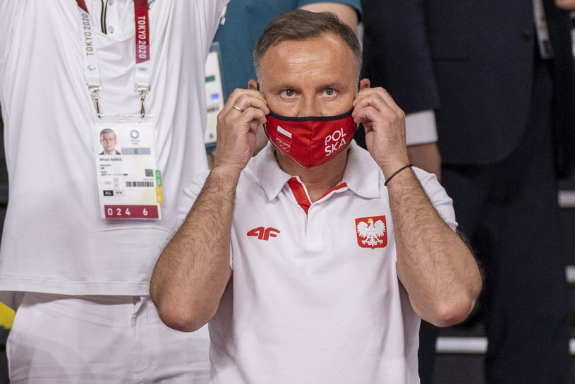 Prezydent Andrzej Duda podczas meczu siatkówki Polska-Iran na Igrzyskach Olimpijskich w Tokio /Andrzej Iwanczuki/REPORTER /Reporter