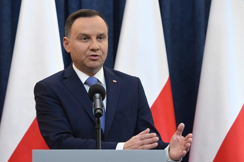 Prezydent Andrzej Duda podczas oficjalnego oświadczenia ws. tzw ustawy degradacyjnej, /Radek Pietruszka /PAP