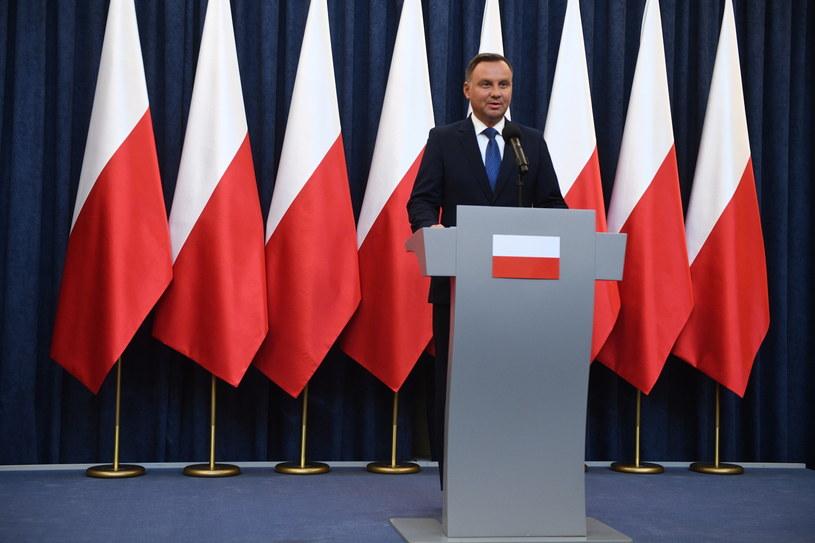 Prezydent Andrzej Duda podczas oświadczenie ws. zmian w ordynacji wyborczej do Parlamentu Europejskiego /Jacek Turczyk /PAP