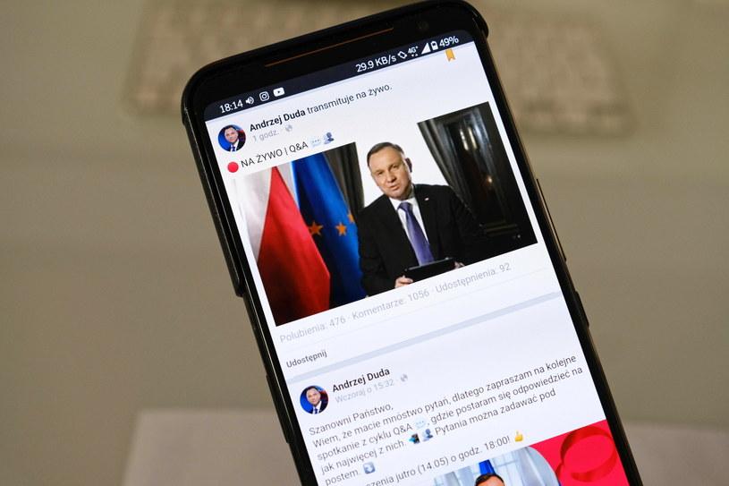 Prezydent Andrzej Duda podczas sesji pytań i odpowiedzi - Q&A na Facebooku /Mateusz Marek /PAP