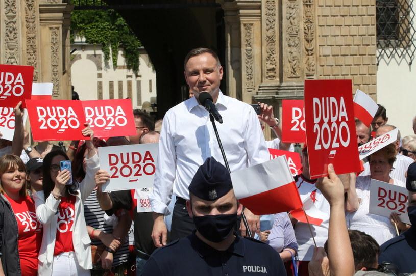 Prezydent Andrzej Duda podczas spotkania z mieszkańcami Brzegu /Krzysztof Świderski /PAP