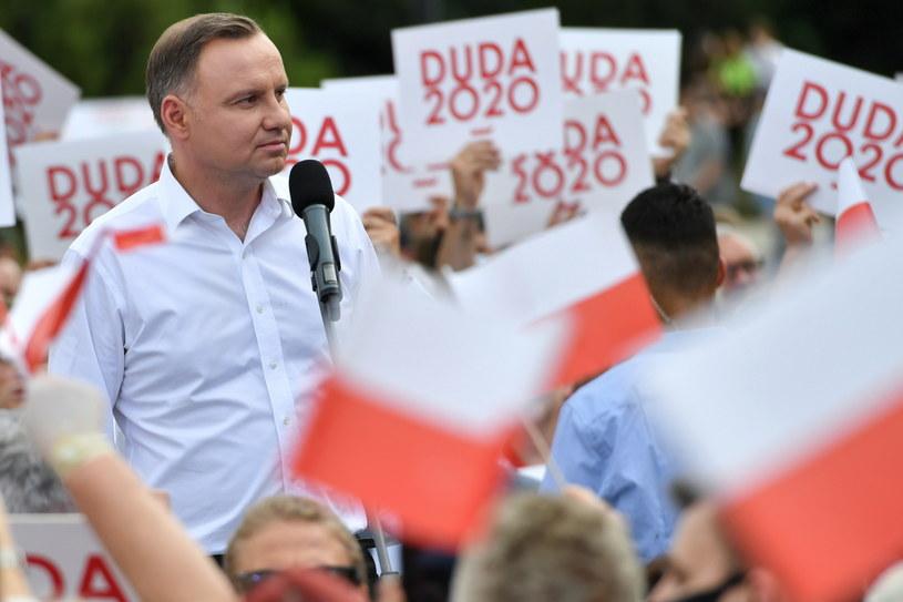 Prezydent Andrzej Duda podczas spotkania z mieszkańcami w Kielcach /Wojtek Jargiło /PAP