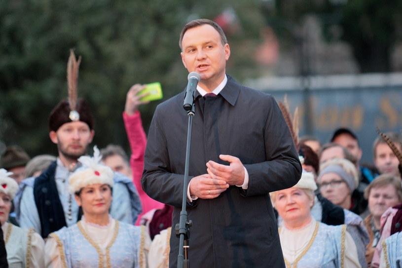 Prezydent Andrzej Duda podczas spotkania z mieszkańcami w Strzelcach Krajeńskich /Lech Muszyński /PAP