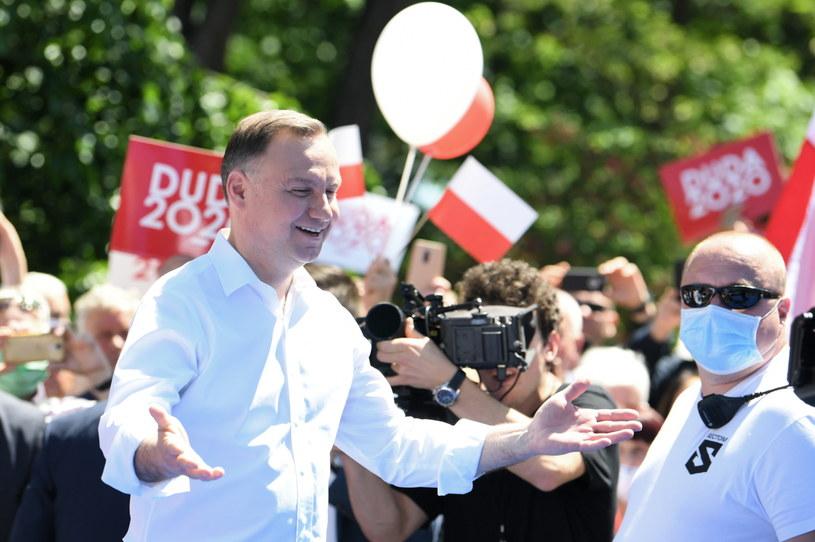 Prezydent Andrzej Duda podczas spotkania z mieszkańcami w Stalowej Woli /Darek Delmanowicz /PAP