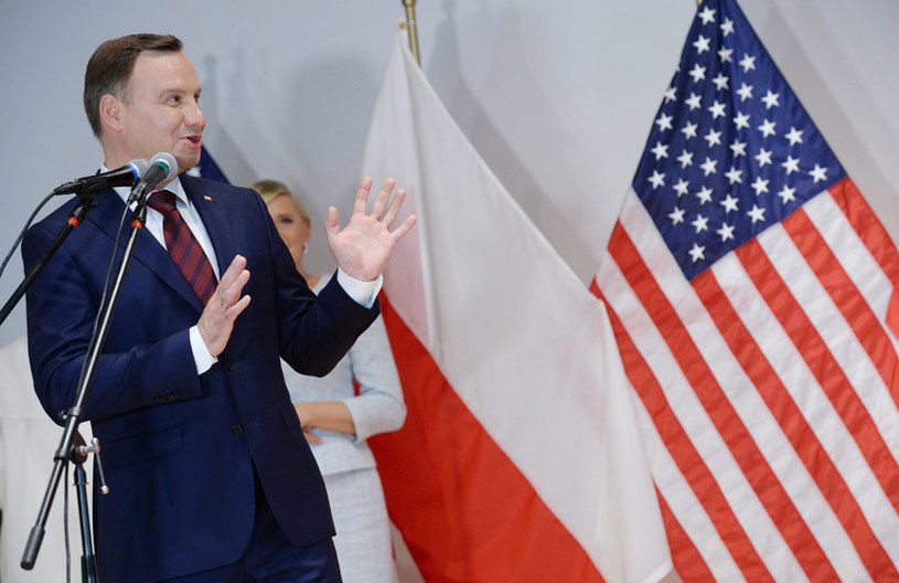 Prezydent Andrzej Duda podczas spotkania z Polonią /Jacek Turczyk /PAP